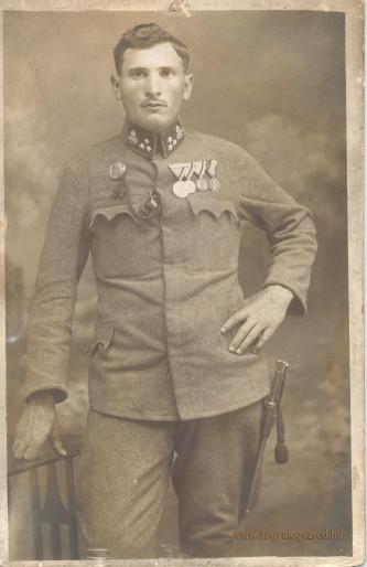 Gyöngy György szakaszvezető, Daróczi zászlós egyik megmentője